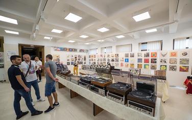 Cijena rijetko prepreka za prave kolekcionare: Sa prošlogodišnjeg Sajma audio uređaja i nosača zvuka