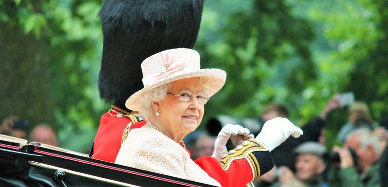 Kraljica Elizabeta u kočiji