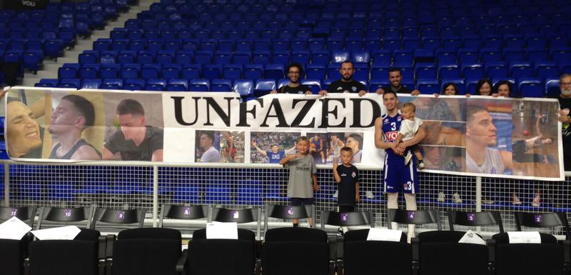 Bamfort sa navijačima iz Italije