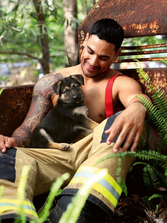 U humanoj misiji (foto: Australian Firefighters Calendar)