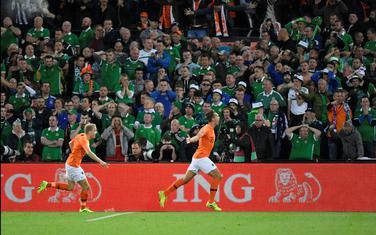 Memfis Depaj slavi gol protiv Sjeverne Irske