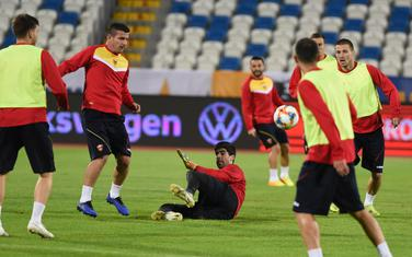 Fudbalska reprezentacija Crne Gore na treningu u Prištini