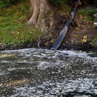 Fekalije izlivaju direktno u rijeku Zetu