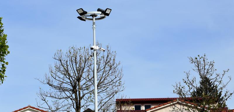 Kamere nelegalno instalirane na javnoj rasvjeti na trgu u centru Nikšića