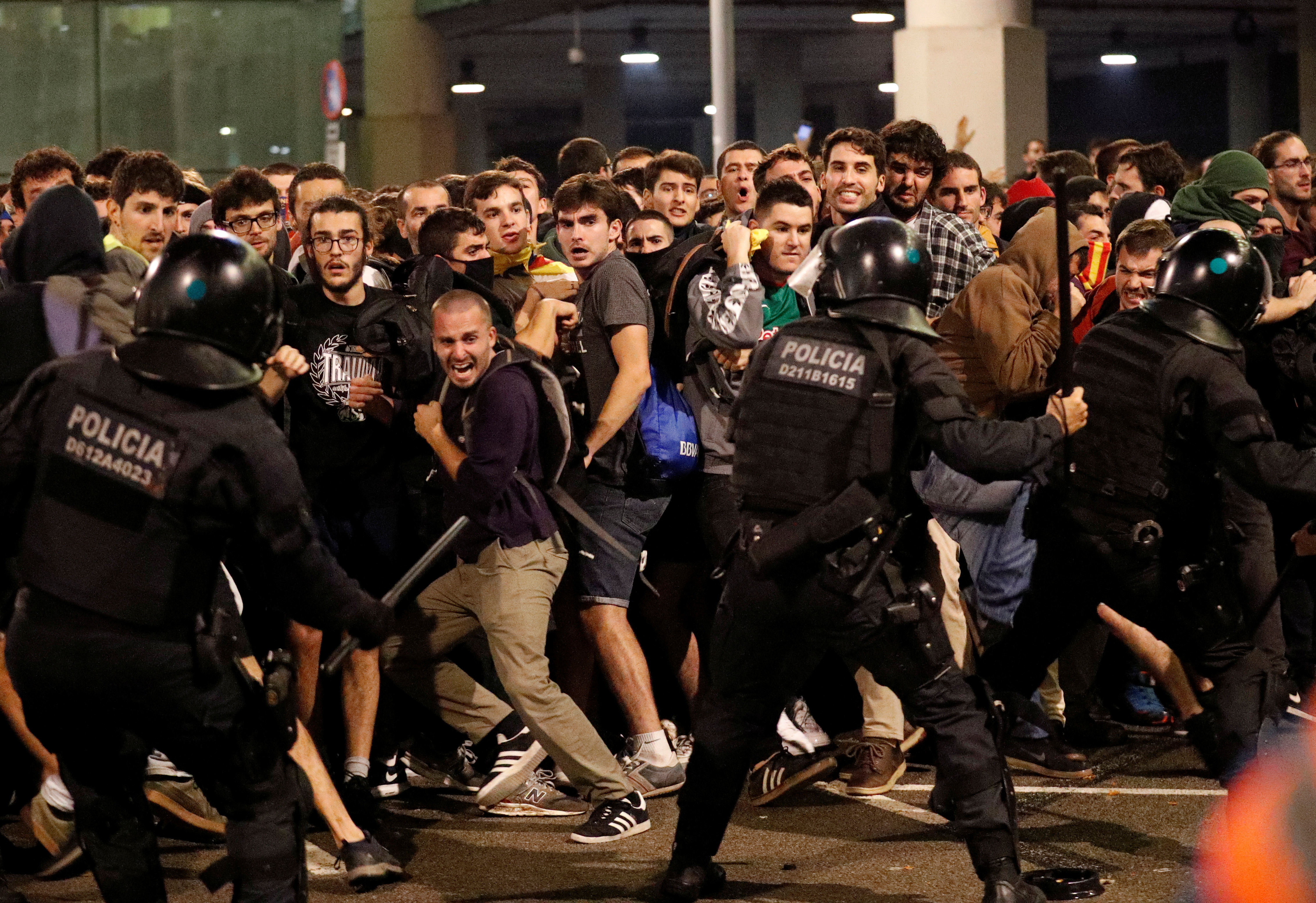 Neredi na aerodromu u Barseloni