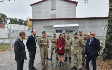 Delegacija Odbora za međunarodne odnose i iseljenike sa pripadnicima Vojske Crne Gore