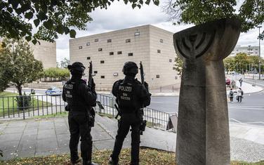 U napadu na sinagogu u Haleu stradalo dvoje ljudi
