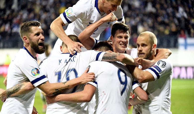 U predvorju raja: Finski fudbaleri slave pobjedu nad Jermenijom