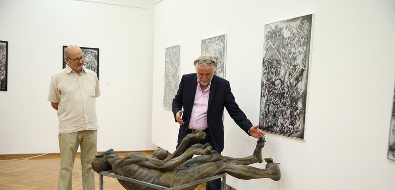 """Sa izložbe """"Božanstvena komedija"""" u Podgorici"""