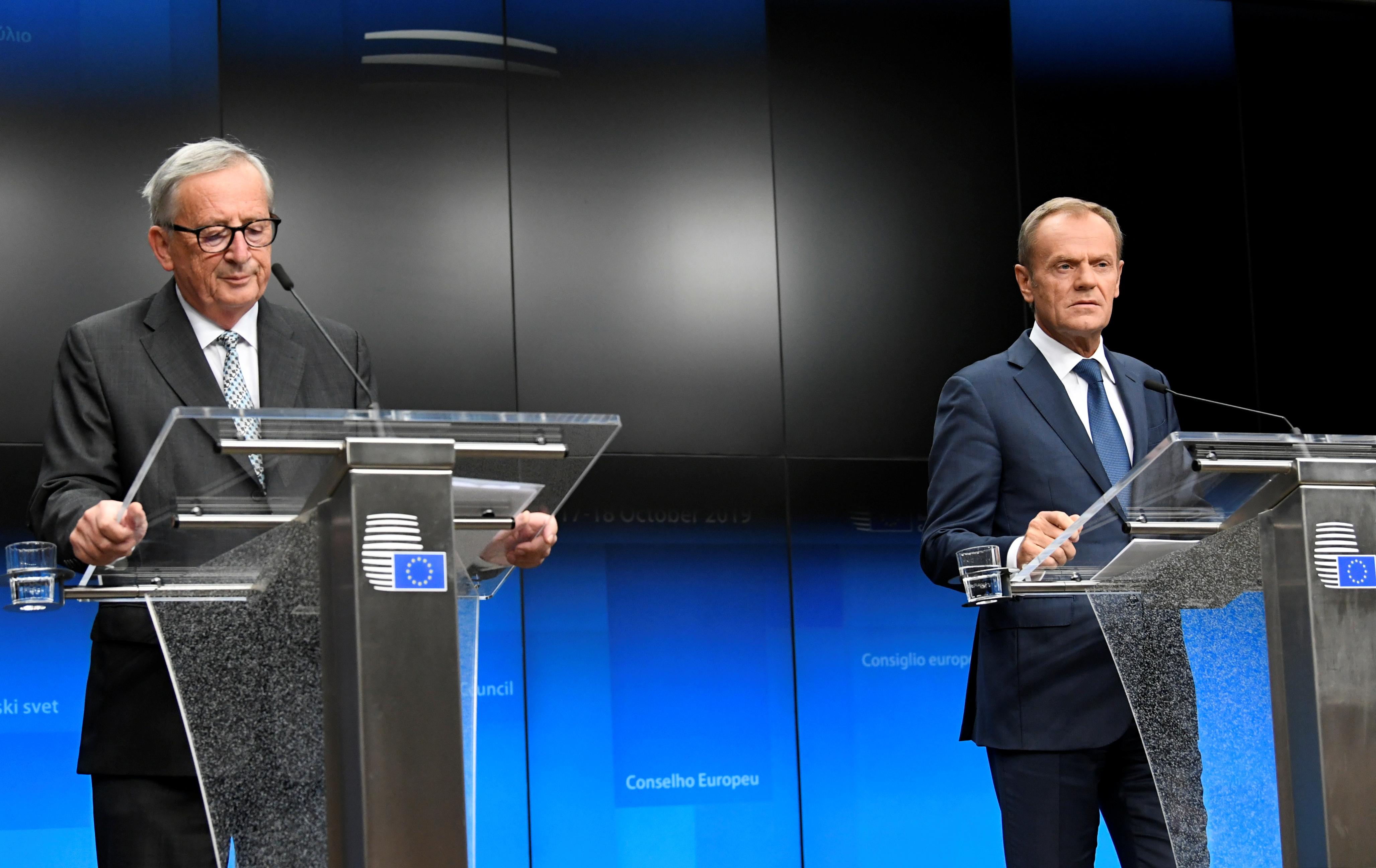 Donald Tusk, Junker