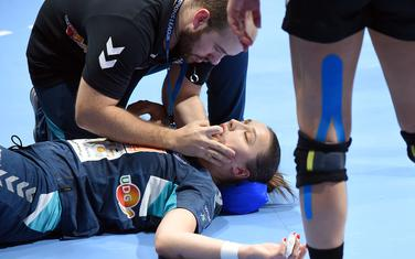 Dramatična scena: Fizioterapeut Mitar Vujović je morao da vadi jezik Đurđini Jauković