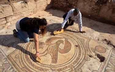 Na mozaiku prikazan orao, simbol Vizantijskog carstva