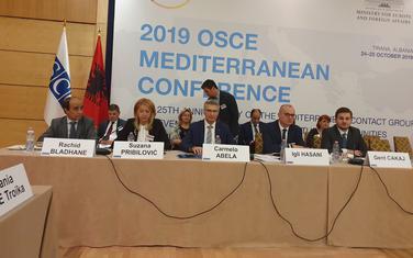 Sa konferencije u Tirani