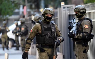 Elitni policajci obezbjeđivali zgradu suda tokom sjednice