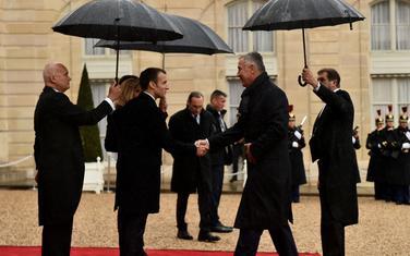 Makron i Đukanović tokom susreta u Parizu