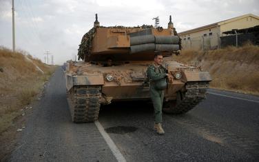 Turski vojnici u blizini granice