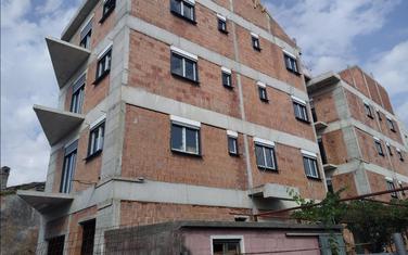 Sporna zgrada na Draču