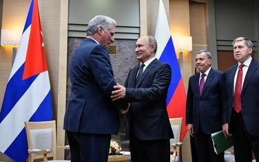 Ruski predsjednik Vladimir Putin sastao se sa svojim kubanskim kolegom Migelom Dijazom Kanelom u Moskvi