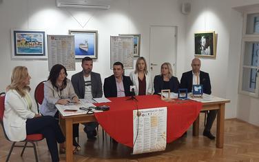 Sa konferencije za novinare