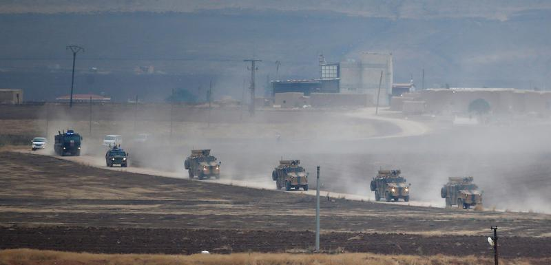 Turska i ruska vojna vozila na sjeveroistoku Sirije