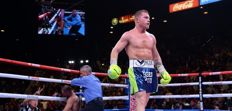 Kanelo Alvares u ringu, Kovalev na koljenima