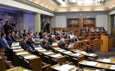 Poslanici vladajuće koalicije dobili bonuse za rad tokom bojkota opozicije