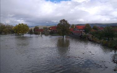Ugrožene kuće, poplavljena brojna imanja: Duklo