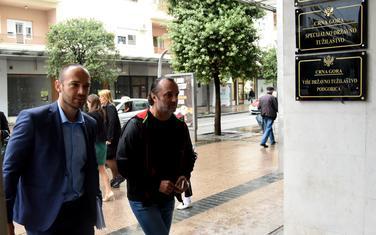 Advokat Kavedžić (lijevo) i Nenezić juče dolaze u tužilaštvo