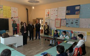 Amasadorka u školi na Bioču
