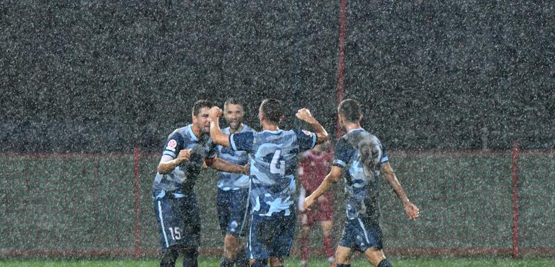 Slavlje po kiši: Fudbaleri Petrovca