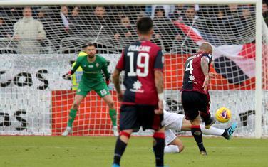 Naingolan postiže gol za 5:0