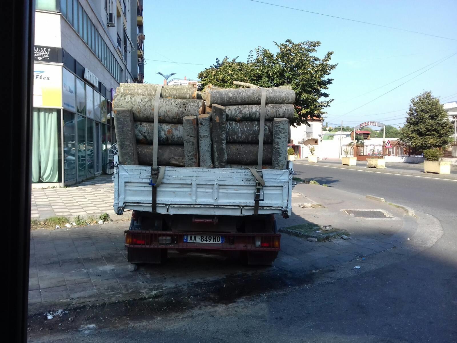 Vozači navodno kažu da su drva crnogorska
