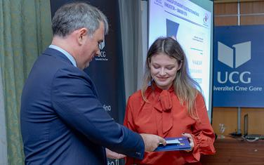 Tijana Radojičić na dodjeli stipendija