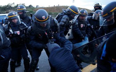 Sukob francuske policije i pristalica nezavisne Katalonije