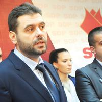 Vujović (lijevo)