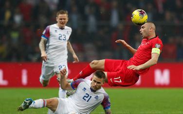 Burak Jilmaz u duelu sa Islanđanima