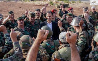 Asad sa sirijskim vojnicima