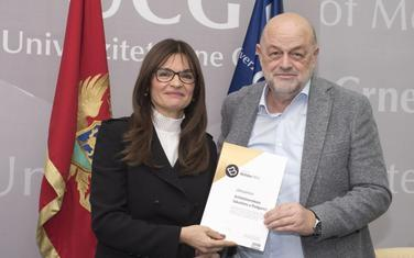 "Vesna Milić Lainović i Svetislav Gavrov Popović na promociji Nagrade ""Božidar Milić"""