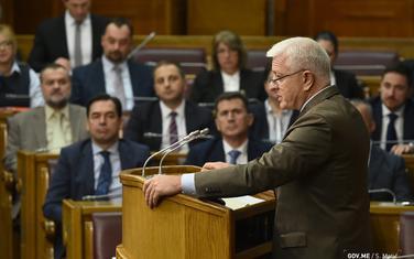 Marković danas u parlamentu