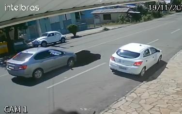 Rupa u asfaltu