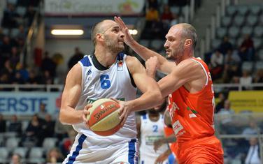 Ive Ivanov u duelu sa Markom Simonovićem