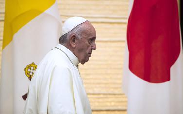 Papa Franjo tokom posjete Japanu