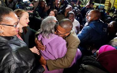 Majka je sačekala Čestnata na slobodi