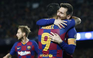 Luis Suares i Lionel Mesi slave na utakmici sa Borusijom