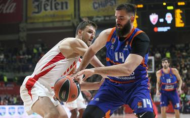 Bojan Dubljević je upisao 22 poena i osam skokova, ali je Valensija izgubila