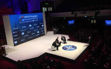 Zaev i Duda na panelu u Londonu