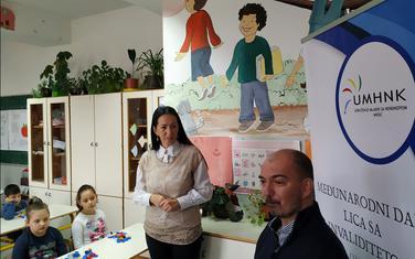 """Osnovna škole """"Radoje Čizmović"""" prikupljala čepove"""