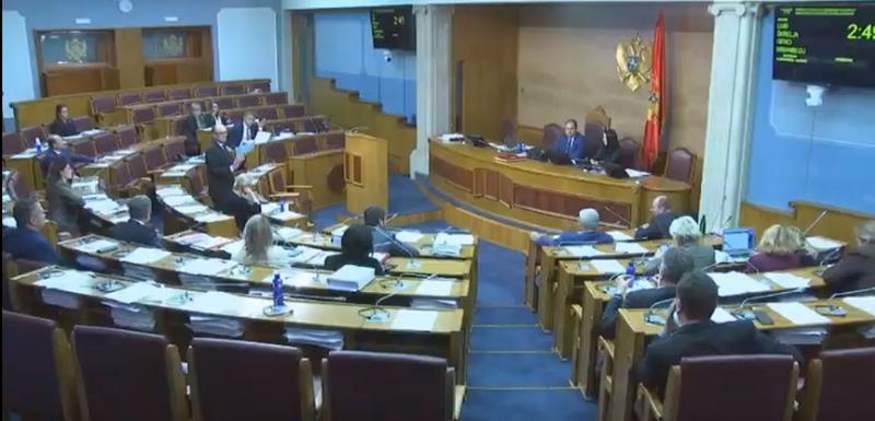Ponovo neprimjerni rječnik u Parlamentu: Mandić vrijeđao Škrelju