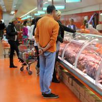 Uvoz samo mesa značajno vredniji od ukupnog izvoza aluminijuma, željeza, vina i piva