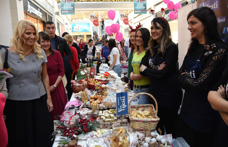 Sa otvaranja Međunarodnog diplomatskog humanitarnog Božićnog bazara
